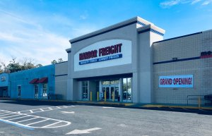 Harbor Freight store front with grand opening sign